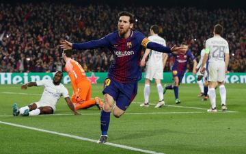 欧州チャンピオンズリーグ1回戦第2戦、チェルシー戦でゴールを決めたバルセロナのメッシ=14日、バルセロナ(ロイター=共同)