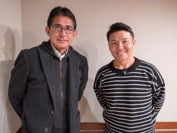 鈴木亜久里さん(左)と、パーソナリティの丸山茂樹