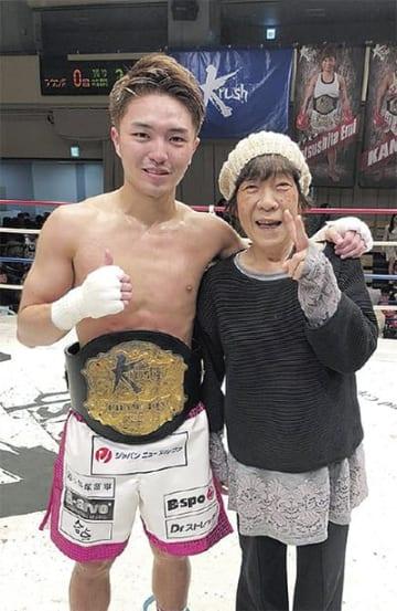 勝利後、春馬選手の一番のファンである祖母と