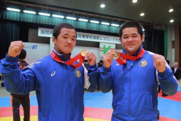 学校対抗戦優勝の日体大柏からは白井(左)と宮本の2名が優勝