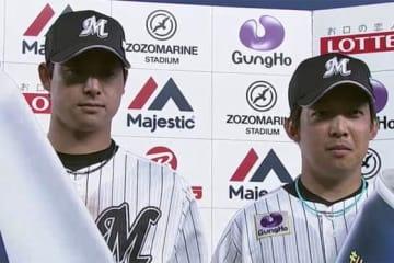 ロッテの新人コンビ・藤岡裕(左)と菅野【画像:(C)PLM】