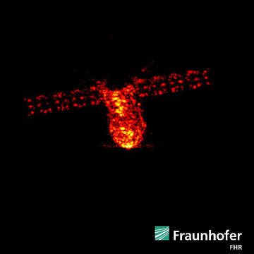 ドイツにあるレーダー施設で1日、高度約160キロを飛行する天宮1号を捉えた画像(フラウンホーファー高周波物理・レーダー技術研究所のツイッターから)