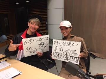 JOY(左)と、秋元才加