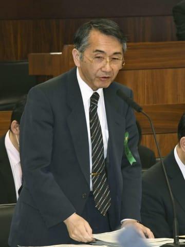 10日、参院厚労委で答弁する東京労働局の勝田智明局長