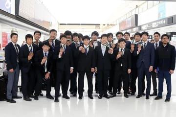 ワールドカップで銅メダルを獲得した男子フリースタイル・全日本チーム