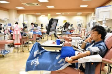 10周年を迎えた献血ルーム「カリーノ」。若年層の献血者減少が課題になっている=宮崎市