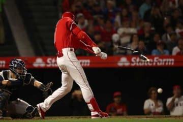 第2打席で二塁へのゴロを放った大谷翔平は、左足首の軽い捻挫で途中交代【写真:Getty Images】