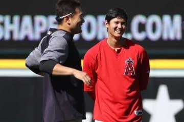 試合前に談笑する田中将大(左)と大谷翔平【写真:Getty Images】
