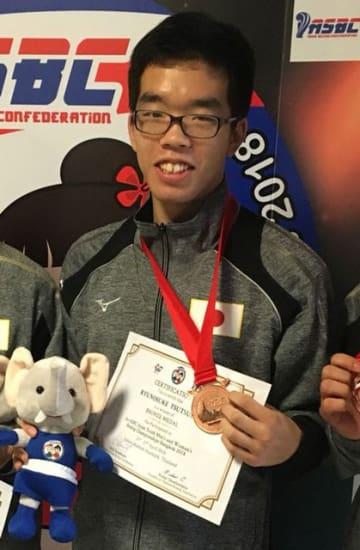 ボクシングのアジアユース選手権ライト級で銅メダルに輝いた日章学園高3年の堤龍之介(同校提供)