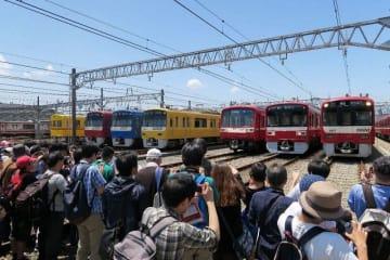 京急の車両が並んだ昨年の京急ファミリー鉄道フェスタ