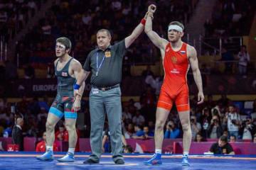 リオデジャネイロ・オリンピック3位の選手を破って優勝のアダム・クラク(ロシア)=提供・UWW