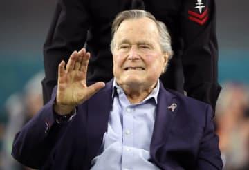 ジョージ・H・W・ブッシュ元米大統領=2017年(ロイター=共同)