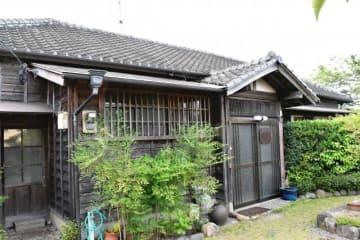 7月にも国の有形文化財に登録される「旧吉田家住宅主屋」=高鍋町
