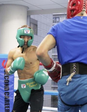 WBAバンタム級世界戦に向けスパーリングをする井上尚弥=横浜市の大橋ジム