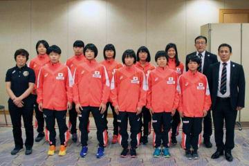 アジア・カデット選手権へ向かった女子チーム=提供・高体連専門部