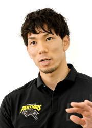今季を振り返り、東京五輪への思いを語るバレーボール男子パナソニックの福沢(大阪市内のホテル)
