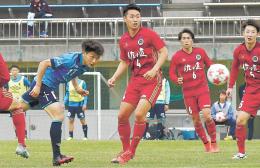 ソニー仙台-仙台大 後半21分、左からのパスに藤原(左)が頭で合わせ、2-1と勝ち越す