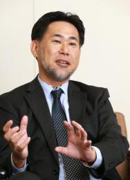 やすおか・かつき 関西大卒。米国系IT企業を経て、2013年にエクセリオ・ジャパンの前身の会社社長に就任。16年2月に現社名に変更した。52歳。北九州市出身。