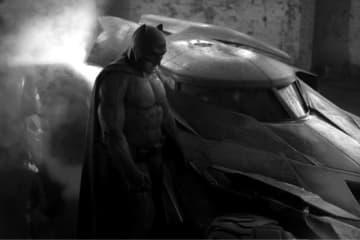 バットマンの執事にフォーカス - Warner Bros. / Photofest / ゲッティ イメージズ