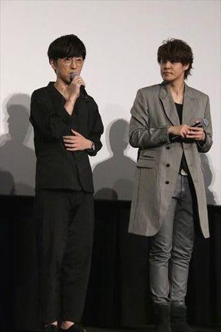 「GODZILLA 決戦機動増殖都市」の公開記念舞台あいさつに登場した櫻井孝宏さん(左)と宮野真守さん