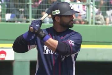 今季第2号となる本塁打を放った西武のエルネスト・メヒア【画像:(C)PLM】