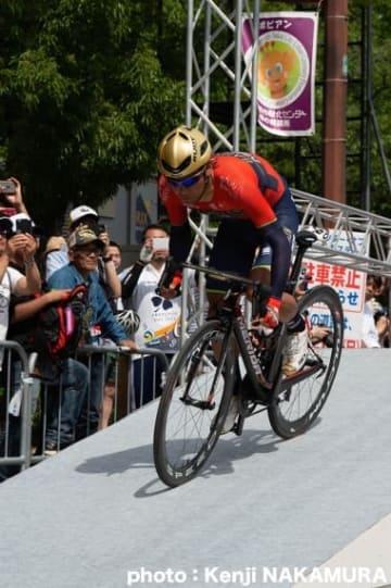 2018ツアー・オブ・ジャパン第1ステージ 個人TTで出走する新城幸也(バーレーン・メリダ)