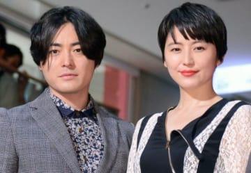 面白すぎて大変だった…(左から)山田孝之&長澤まさみ