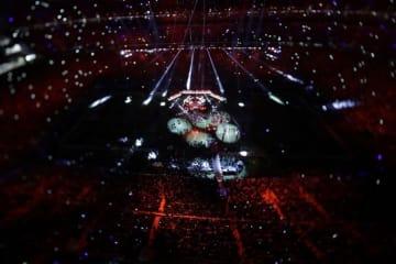 第52回スーパーボウルのハーフタイムショーに出演したジャスティン・ティンバーレイク【AP Photo/Morry Gash】