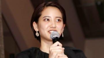 映画「50回目のファーストキス」レッドカーペットセレモニーに登場した山崎紘菜さん