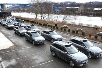ウーバーが試験走行に使う自動運転車=3月、米ピッツバーグ(共同)