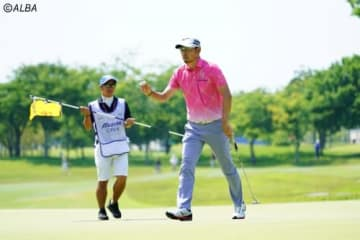 小林正則は5年ぶりの優勝に向け気合のこもったラウンドを続けた(撮影:鈴木祥)
