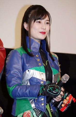 「宇宙戦隊キュウレンジャー VS スペース・スクワッド」の完成披露舞台あいさつに登場した大久保桜子さん