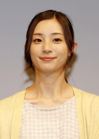連続ドラマ「限界団地」の制作発表会見に登場した足立梨花さん