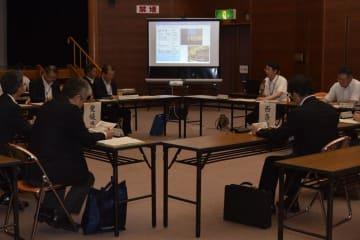 西条市の進める説明会の進捗(しんちょく)報告などのあった幹事会=30日午後、松山市山越町