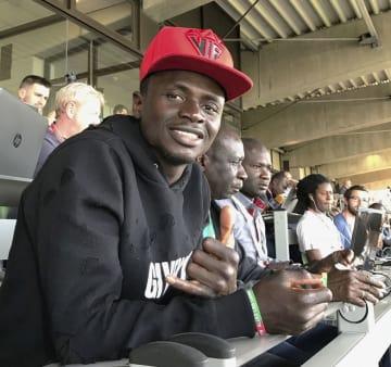 ルクセンブルクとの国際親善試合でベンチ入りしなかったセネガルのマネ=5月31日、ルクセンブルク(共同)