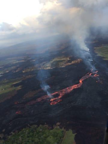 米ハワイ島キラウエア火山の溶岩流=5月31日(米地質調査所提供・共同)