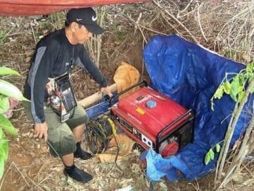 フィリピン・カポネス島で警察が押収した財宝探しの道具(フィリピン警察提供・共同)