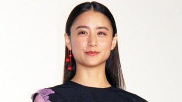 映画「友罪(ゆうざい)」の公開記念舞台あいさつに登場した山本美月さん
