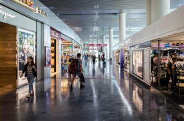 マカオ国際空港旅客ターミナルビル制限エリア(写真:CAM)
