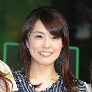 フリーアナウンサーの小林麻耶