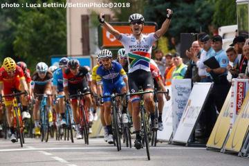 ゴールスプリントで圧勝した南アフリカチャンピンのインピー(©Bettiniphoto)