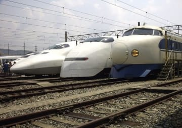 東海道・山陽新幹線歴代車両(「Wikipedia」より)