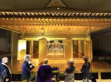 保存状態の調査が行われた中尊寺金色堂=7日午後、岩手県平泉町