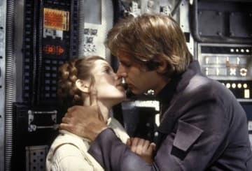 リアルに付き合っていたレイアとハン・ソロ - 画像は『スター・ウォーズ/帝国の逆襲』(1980)より - Lucasfilm Ltd. / 20th Century Fox / ゲッティ イメージズ