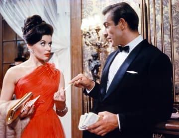 『007/ドクター・ノオ』でショーン・コネリーと共演するユーニス・ゲイソンさん ご冥福をお祈りいたします - United Artists / Photofest / ゲッティイメージズ