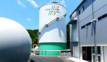 縦型乾式メタン発酵施設の外観。(画像:新エネルギー・産業技術総合開発機構発表資料より)