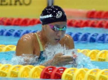 女子200メートル平泳ぎなど3冠を達成した高橋(京都アクアリーナ)