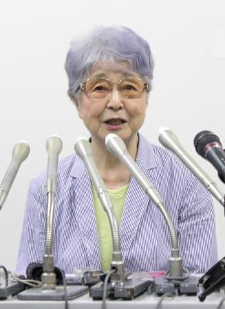米朝首脳会談後、会見する横田早紀江さん=12日、川崎市