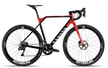 新型インフライトCF SL 8.0 TEAM  ©Canyon Bicycles