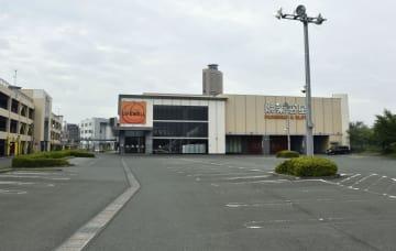 内山茉由子さんが連れ去られたとみられる駐車場=10日、浜松市中区